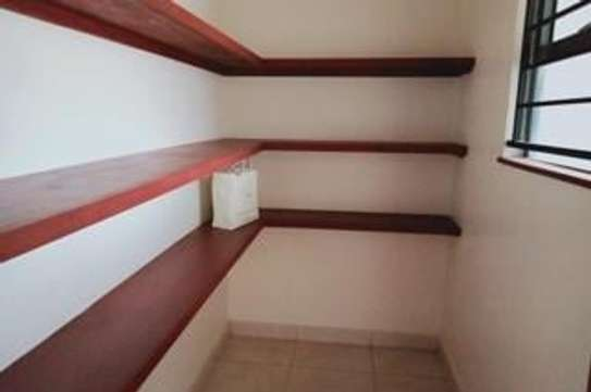 Furnished 3 bedroom apartment for rent in Rhapta Road image 10