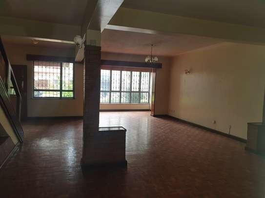 5 bedroom townhouse for rent in Westlands Area image 27