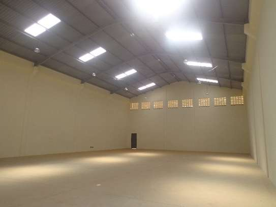 11100 ft² warehouse for rent in Mombasa Road image 9