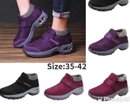 Sneakers image 3