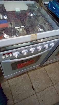 4 burner gas cooker image 2