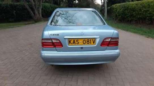 1993 Mercedes-Benz E200 KAS auto petrol drives smooth Mint image 2