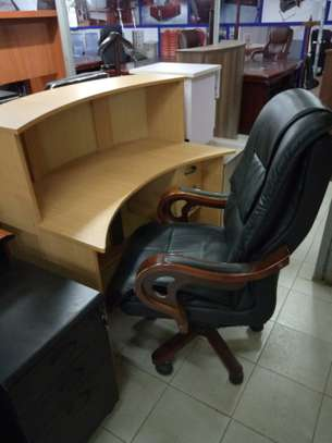 Executive office chairs image 7