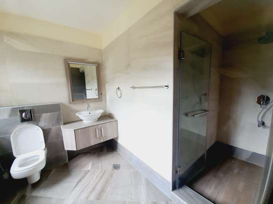 5 bedroom townhouse for rent in Lavington image 7