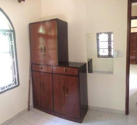 2br House for Rent in Nyali.HR11-NYALI image 7