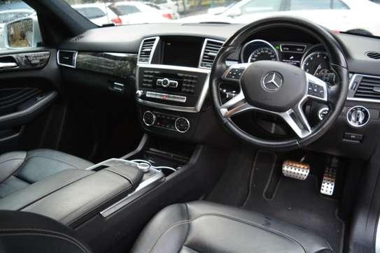 Mercedes-Benz ML350 image 8