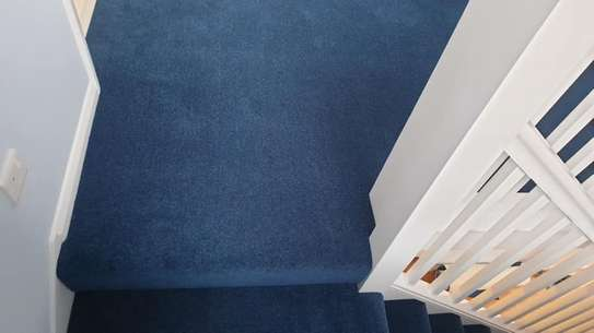 BLUE Wall to wall carpets image 7