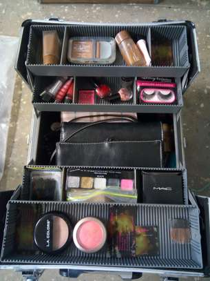 Portable makeup kit