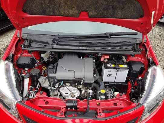 Toyota Vitz 1.0 F image 16