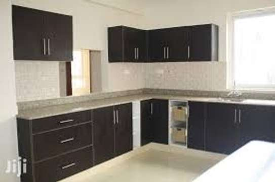 4 bedroom apartment for rent in Kilimani image 5