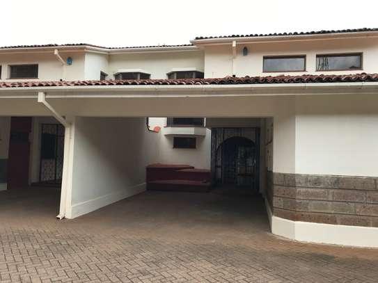 5 bedroom townhouse for rent in Rhapta Road image 1