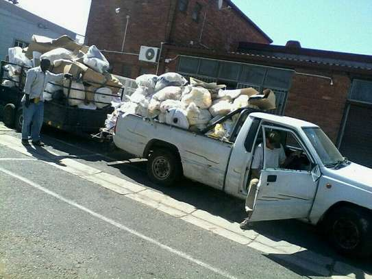 Rubbish, garbage and garden waste removals!Cleaning & Domestic Workers image 1