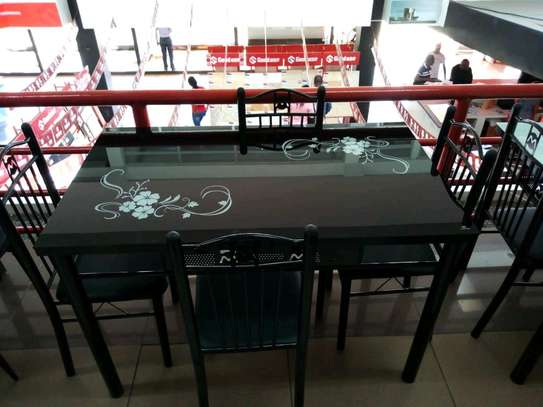 4seater dining table at Christmas offer price image 1