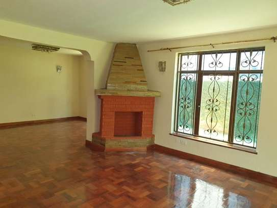5 bedroom townhouse for rent in Kileleshwa image 11