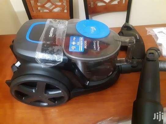 Philips FC9350 Powerpro Compact Bagless Vacuum Cleaner image 2
