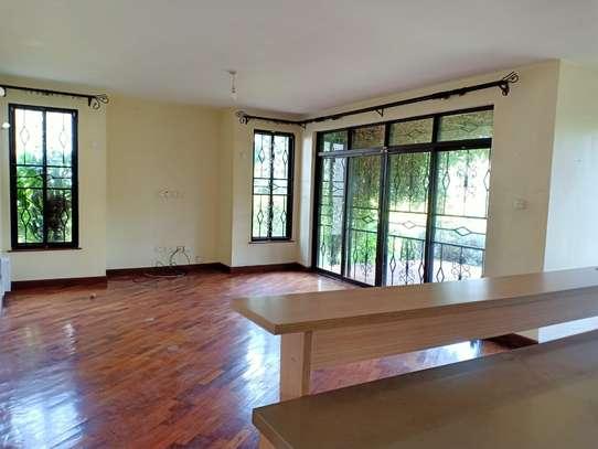 4 bedroom house for rent in Garden Estate image 10