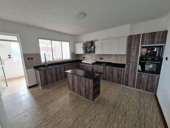 5 bedroom apartment for rent in General Mathenge image 5
