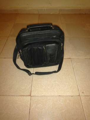 Clearance sale on second hand good quality travelling bags