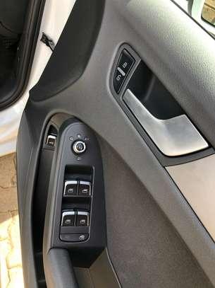 Audi A4 2.0T 2013 image 8