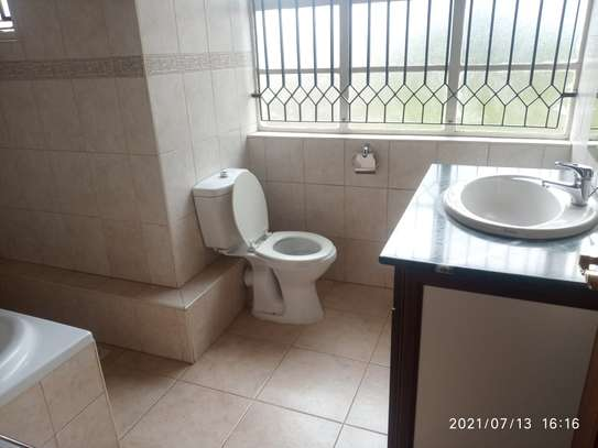 Spacious 4 bedroom home to to let@ Garden estate image 5