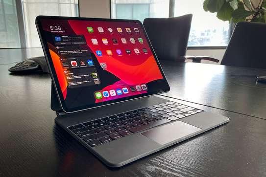 Apple IPad Pro 12.9 (2020) Tablet image 1