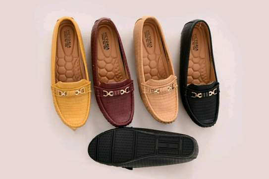 Trendy Flat shoes image 5