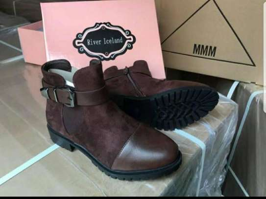 LADIES LEATHER ANKLE BOOTS image 4