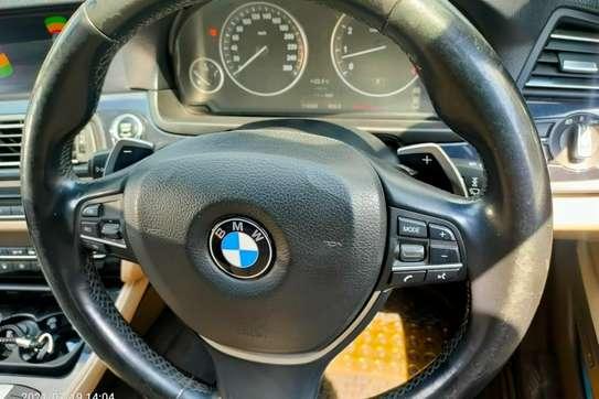 BMW 520i image 3