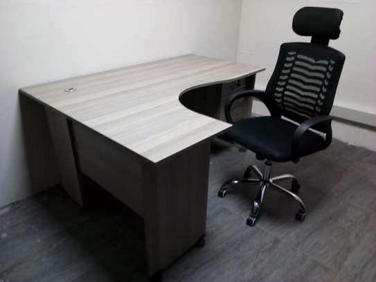 5ft x 4ft  L-Shaped Office Desk With Executive Mesh Chair