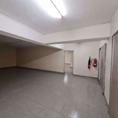 464 m² office for rent in Kilimani image 5
