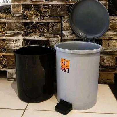 pedal dustbin image 1