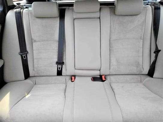 Toyota Avensis image 7