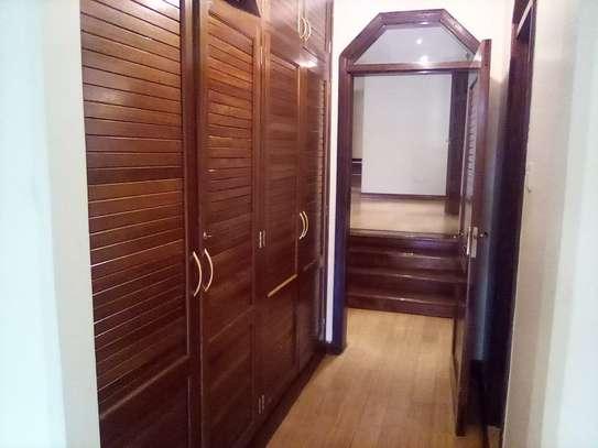 3 bedroom apartment for rent in Kileleshwa image 20