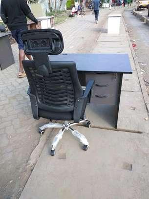 Office desks image 1