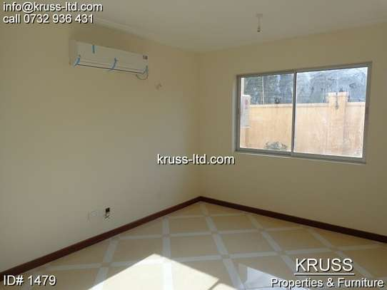 3br newly built apartment for rent in Nyali ID1479 image 5