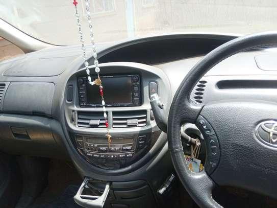 Toyota Estima hot sale image 7