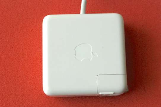 Apple 15-inch MacBook Pro Retina 85W image 2