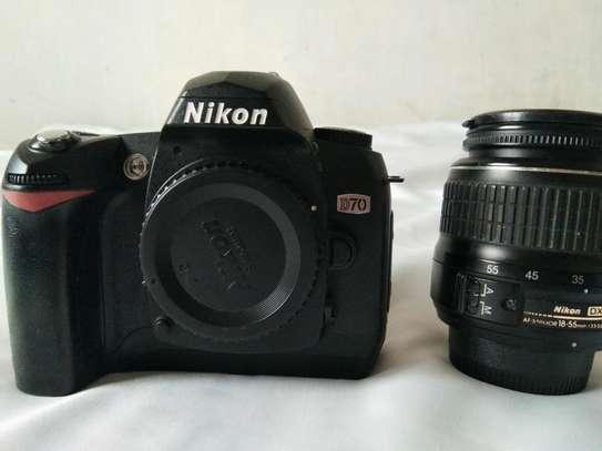 Nikon D70+18-55MM Nikon lens image 3