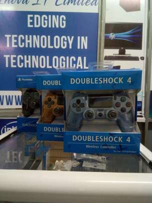 Sony PS4  Wireless Controllers