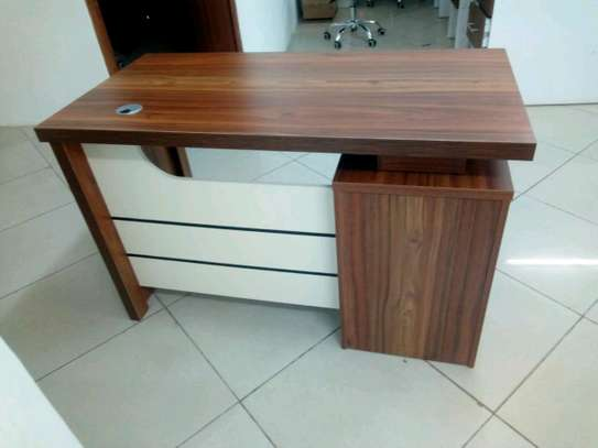 1.4m desk image 1