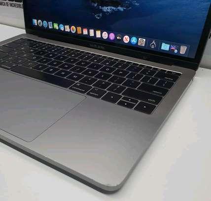 Macbook pro 2017/Core i5/8gbram/ 128gb image 2