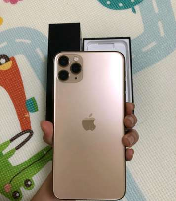 Apple Iphone 11 pro max 512 gb Gold image 2