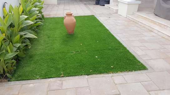 Indoor/Outdoor Artificial Grass Turf Area Rug image 4