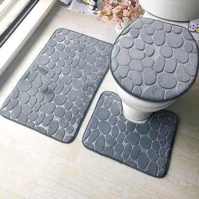 Bathroom mats image 2