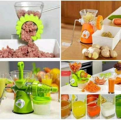 Multifunctional Manual Juicer/Manual Blender And Mincer image 2