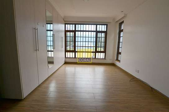 4 bedroom house for rent in Rosslyn image 3
