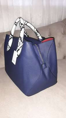 Single Handbag image 2
