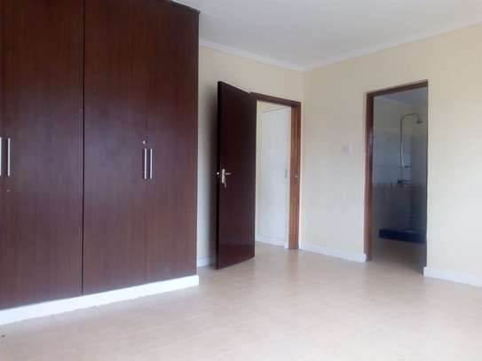 4 bedroom house for rent in Syokimau image 12