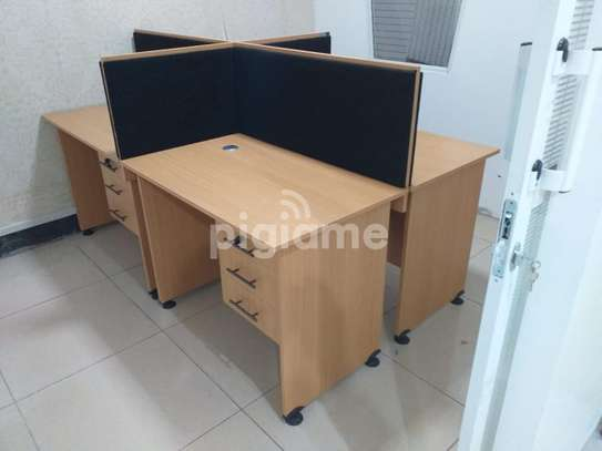 Executive office working stations image 2