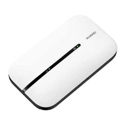 HUAWEI Mifi E5576-320 Pocket-size Impressively Lightweight image 1